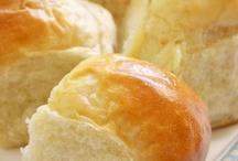 Breads & Muffins / by Bobbie Wilson