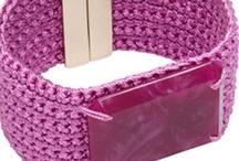 Crochê / O crochê é uma arte que normalmente é passado de mãe para filhos, ou entre amigos (as), simples e acolhedor... / by Rosicler B