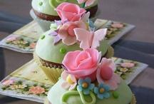 Cupcakes... / by Izabel Cristina