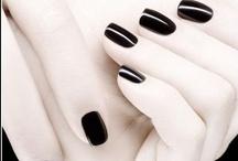 Nails / by Yrdja Sillé