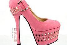 Zapatos  / by Natalia L. Osorio