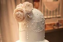 Wedding Cakes / A sweet collection of stunning wedding cakes to inspire!  / by Natalie K