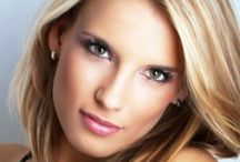 BLONDES / Blonde haircolor / by Sharon Angemeer-Despines