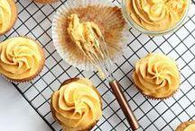 Cakes/ Cupcakes / by Katrina Severing