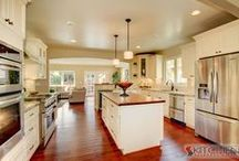 Sunset Maple Creme Glaze Cabinets / From our Jasper RTA lines. One of our most popular styles!  / by Kitchen Resource Direct