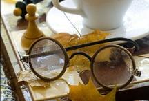 We Love Glasses / by Skarlet Von Troubles