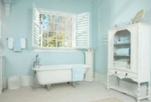 Vintage bathroom / by Jo-anne Chater