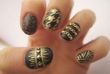 Nails / by Hanna Smith