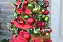 Holiday Decorating / by Nicole Leonard