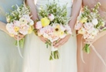 Wedding bouquets fort the bride and for bridesmaids / Different ideas for wedding bouquets / by Romantic Getaways