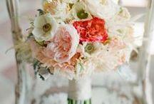 FLOWERS - BOUQUETS & CENTERPIECES / by Diane Berk