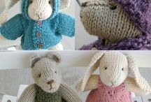 knitting / by Cindy Connellan