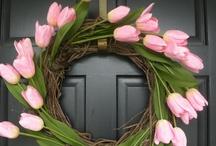 Door Wreaths / by Robin Tigli
