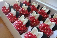 Cupcakes. / by Miranda