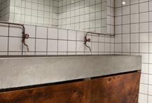 Bathroom / by Chantalle Winkelmolen