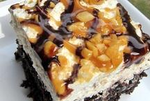 Desserts I've Gotta Try! / by Krysta Hayes