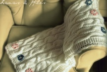 Knitting / by Ana Contreras