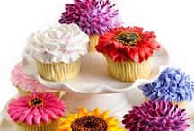 Cakes & Cupcakes / by Jennifer Hornback