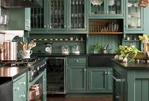 Kitchens / by Karen Anderson