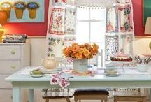 Home Decor: Rooms: Kitchens / by Vonnie Davis