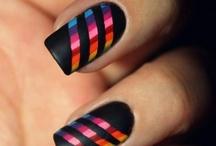 nails / by Denise Castelize