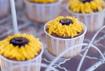 Cupcake Decorating / ideas for decorating cupcakes / by Deanne Evans