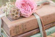 Books / by Gladys Johanna Méndez de Torres