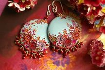 JEWELLERY: beading and other crafts / by Darievna