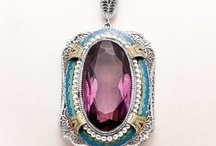 BEAUTIFUL PENDANTS / by Ronni Rittenhouse