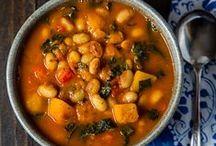 Soups, Stews and Crockpot Creations / by Elizabeth Kroeze