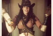 Steampunk Cowgirl / Not just a Halloween costume, but a style I've fallen madly in love with. #steampunk #cowgirl / by Muffin Winters