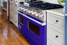 Kitchens / by Dina