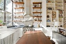 Good kitchens / by Mally Skok