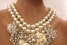 awesome jewelry ideas! (jewelry) / by Robin Jordan