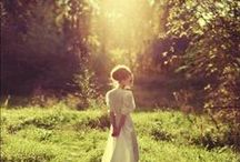 beautiful places to take photographs / I would love to be in a flowy romantic gown surrounded by stars, light, greenery or any kind of beautiful nature setting... one of these days it's going to happen / by Rachel Hofman