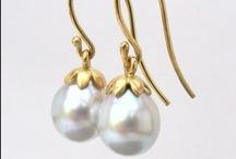 Wedding Jewelry / Tinted Wedding's favorite Bridal and Wedding Jewelry / by Tinted Wedding