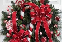 CHRISTMAS DECORATING / IDEAS, ARRANGEMENTS, CRAFT  / by Eve Malley