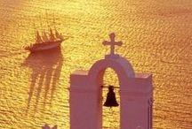 Grecia / Tutti i luoghi da visitare in #Grecia. Da #Santorini ad #Atene e #Meteore #Greece / by Volagratis ǀ Voli Low Cost