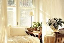 s tiny guest room / by Lomie delights in