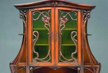 Art Nouveau / For a brief and brilliant period at the end of the 19th century – starting around 1890, and tailing off before World War One – Art Nouveau dominated the cultural scene. Everything from domestic furnishings and decorative art to architecture and advertising was characterised by its curvilinear elegance and organic forms inspired by nature / by D