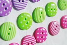Buttons ...button crafts / by Julie Vogl