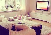 Small & Cozy Apartments / by Yvie Winnie