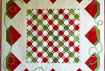 Quilting Table Runners & Tablecloths / Quilting  / by Carol Viquez