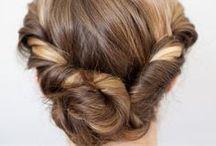 hairdo / by Elizabeth Thomasson