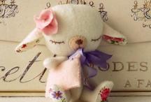 Sewing / by Amelia Despre