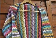 Bufandas, chales / Scarves, shawls / by Nieves García