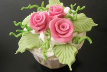 Cupcakes...wow! / Beautiful cupcakes...my obsession! / by Carolyn Greer