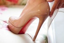 ShOeS / Give a girl the right shoes, and she can conquer the world! / by Alina Ionita