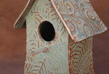 BIRDHOUSE/BIRDFEEER / Birdhouse-Birdfeeder / by Adriana ClaudiodaSilva