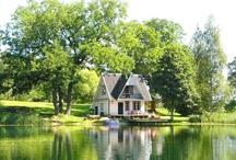 Pretty Little Lake Houses / and ocean houses too! / by Carol Garner